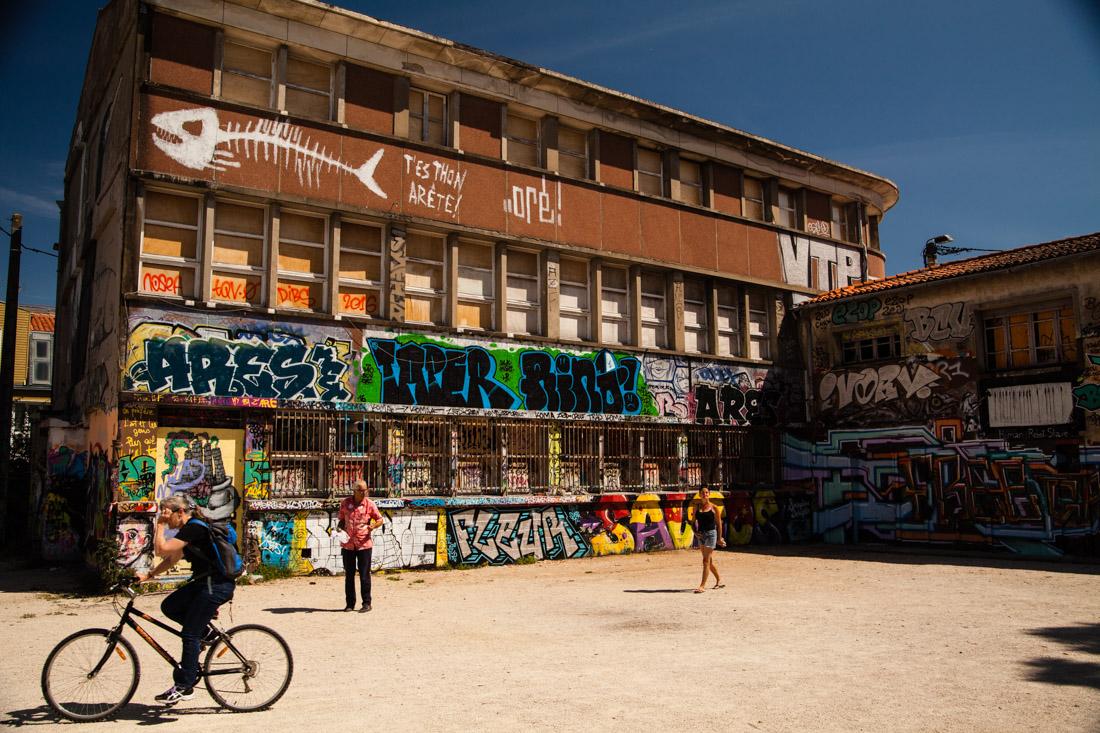 la rochelle, vieux port, le gabut, street art, graffiti, th'es thon, arête !