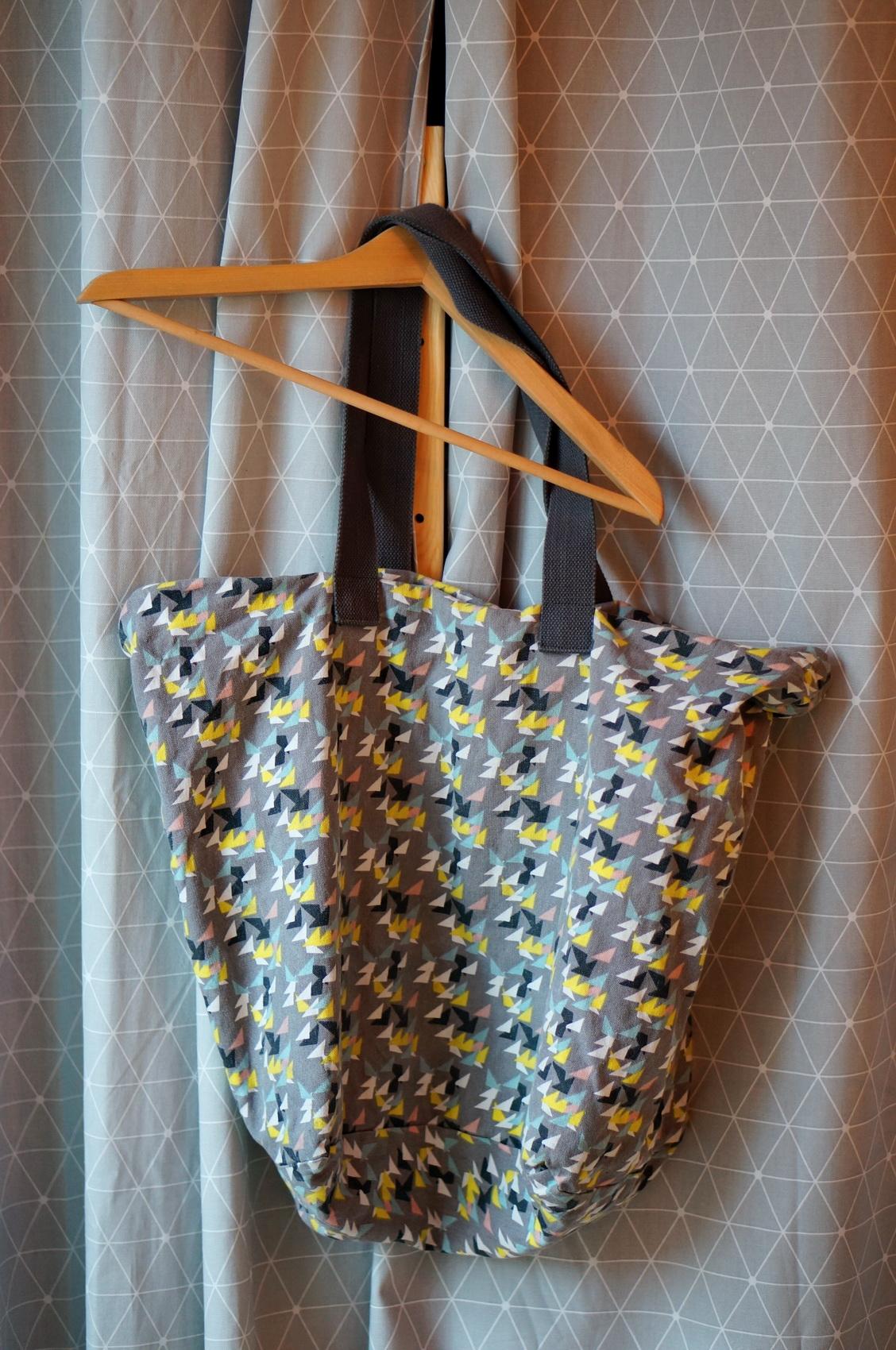 tote bag motifs géométriques, tote bag coton, tote bag brocante