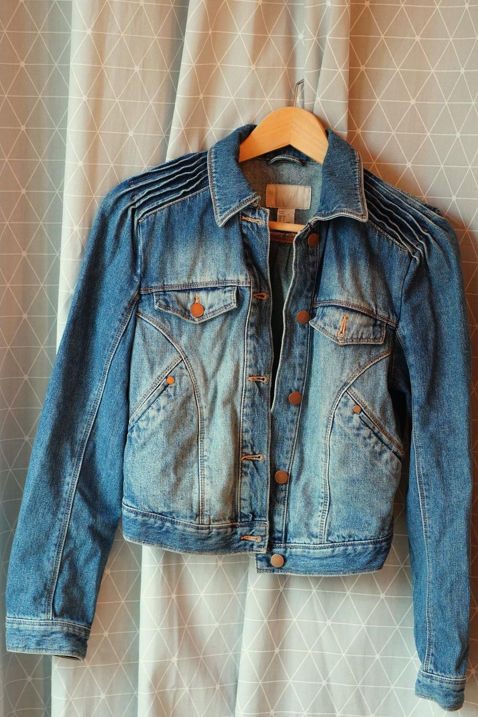 brocante, vide-grenier, vêtements de seconde main, veste en jean h&m, veste en jean