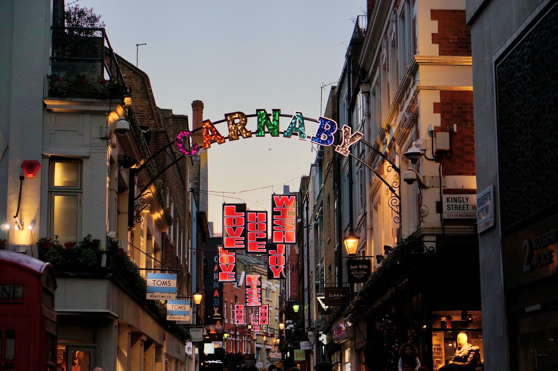 londres, london, soho, carnaby street, christmas lights, christmas spirit