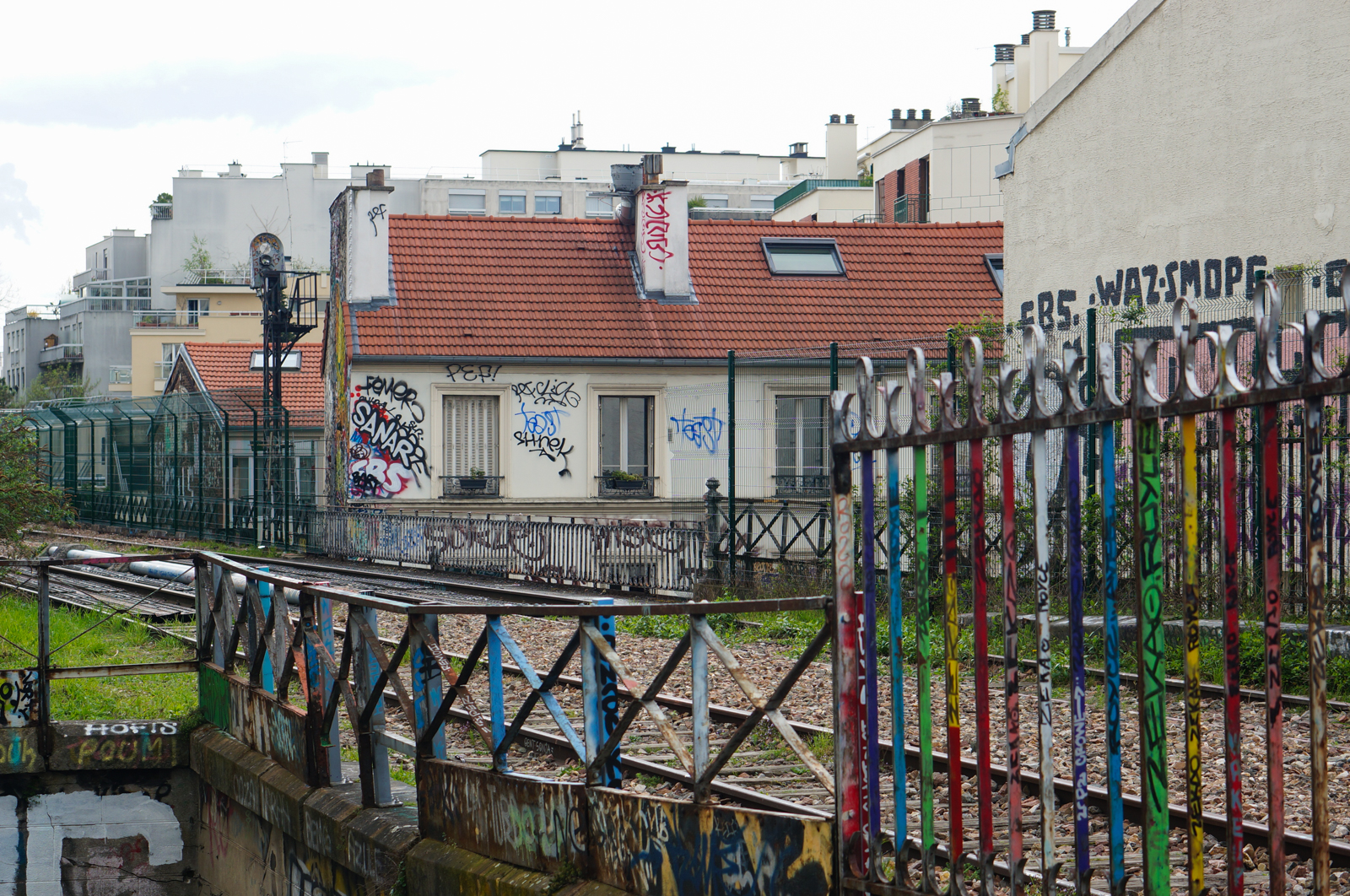 paris 20, balade paris 20, paris underground, paris alternatif, paris insolite, découvrir paris 20, que faire paris 20, balade originale paris 20, petite ceinture, petite cienture paris, street art paris, street art paris 20