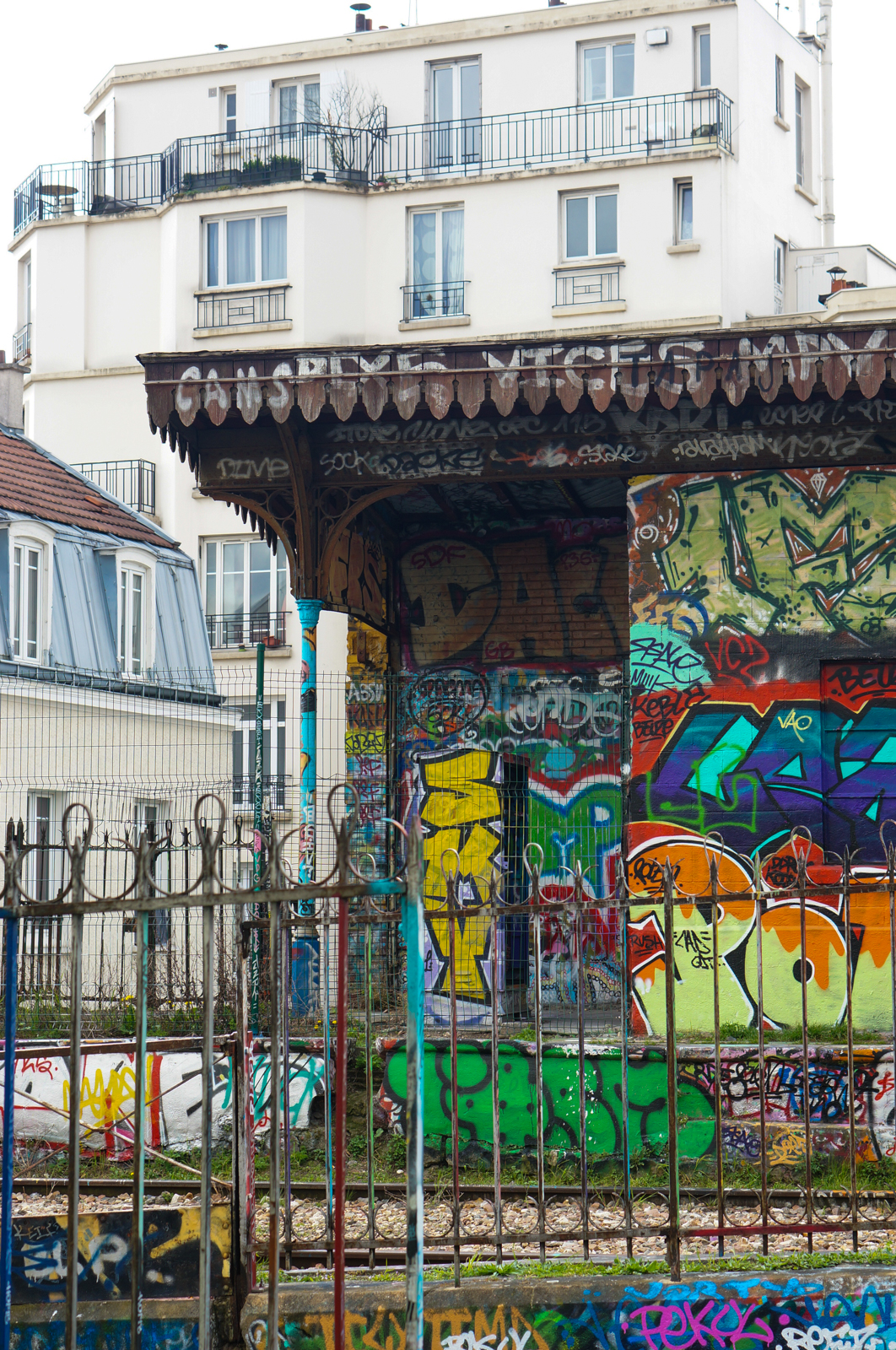 paris 20, balade paris 20, paris underground, paris alternatif, paris insolite, découvrir paris 20, que faire paris 20, balade originale paris 20, petite ceinture, petite cienture paris, street art paris, street art paris 20