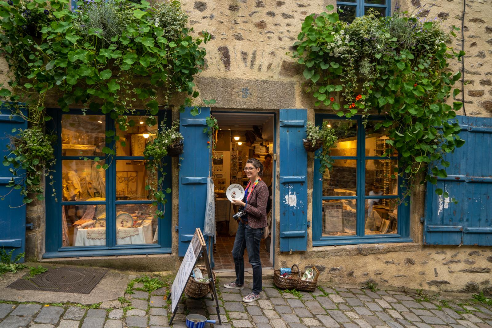 dinan, village bretagne, village vieilles pierres france, tourisme bretagne, tourisme france, village d'art